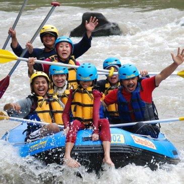 Exotisnya Rafting Sungai Elo Borobudur